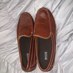 Never worn Duluth trading loafers